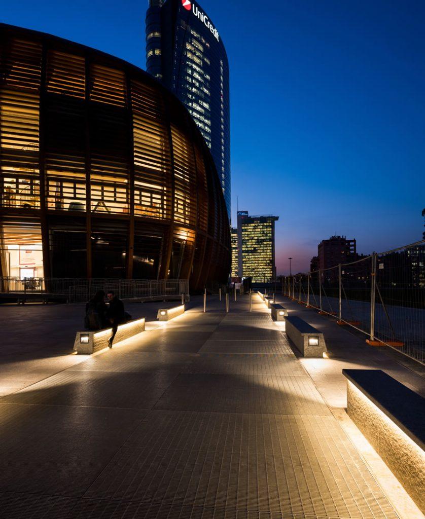 progetto illuminotecnico GAE AULENTI square Milano